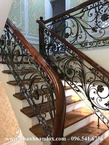 mẫu cầu thang sắt nghệ thuật đẹp ms2