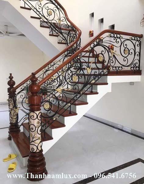 Mẫu cầu thang sắt mỹ thuật đẹp cao cấp