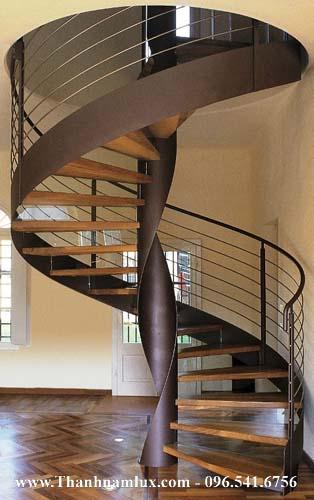 Mẫu cầu thang sắt xoắn đẹp tạo điểm nhấn cho căn nhà