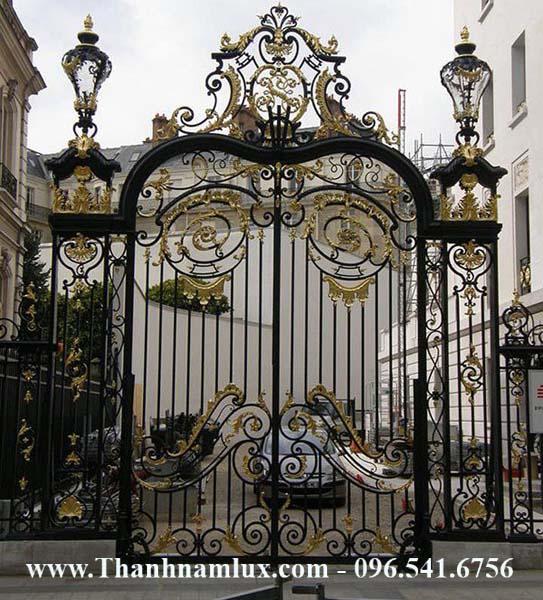Mẫu cổng sắt nghệ thuật, sắt mỹ thuật đẹp mới nhất với hoa văn đẹp