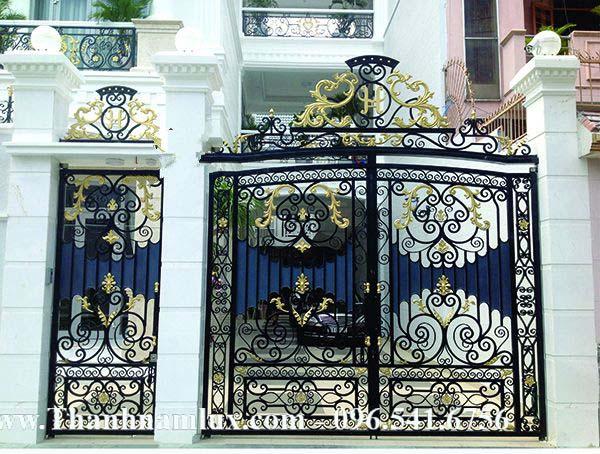 cổng sắt nghệ thuật có nhiều ưu điểm mà không phải cầu thang nào cũng có được