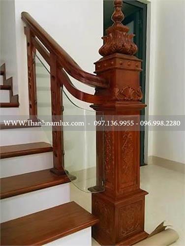 Cầu thang kính tại Bắc Ninh