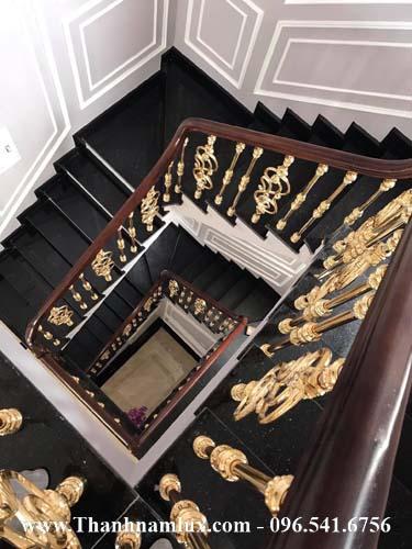 Mẫu cầu thang nhôm đúc cao cấp
