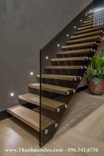 Mẫu cầu thang bay đẹp, cầu thang cắm tường đẹp