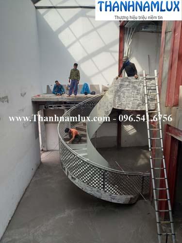 cầu thang xoắn ốc tại hà nội